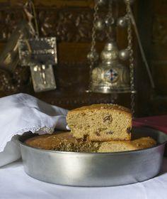 Ένα νηστίσιμο κέικ που ψήνουν ανήμερα του Αγίου Φανουρίου στις 27 Αυγούστου. Ποιος μας εμποδίζει όμως να το φτιάξουμε ανά πάσα στιγμή;