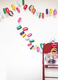 DIY Art & Crafts : DIY rainbow paper garland