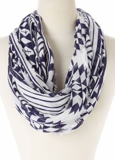 This White Tribal Cashmere-Blend Infinity Scarf is perfect! Cute Scarfs, Cool Style, My Style, How To Wear Scarves, Autumn Winter Fashion, Cool Outfits, Cashmere, Style Inspiration, Stylish