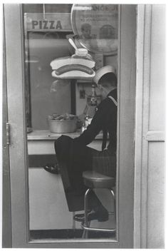 Sailor, Times Square, 1951 - Louis Stettner