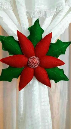 463 Best Navidad images in 2020 Felt Christmas Decorations, Felt Christmas Ornaments, Christmas Pillow, Christmas Wreaths, Christmas Poinsettia, Christmas Sewing, Christmas 2017, Christmas Holidays, Christmas Projects