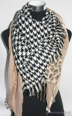 Mooie sjaal met verschillende stof