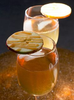 Ring in the weekend with a seasonal #HappyHour cocktail recipe (or five) on: http://blog.gifts.com/entertaining-2/apple-themed-fall-cocktails Caramel Apple Cocktail Recipe: 3 ounces maple Crown Royal 2 ounces toasted caramel Black Velvet 1 ounce apple liqueur 3 ounces apple juice 1 lemon, juiced 3 ounces ginger ale apple slices for garnish caramel sauce for garnish