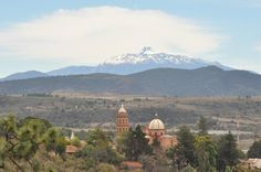 Foto de Tapalpa, Jalisco: Vista al Volcán Colima - in central-western Mexico. Fernando, Jorge and Lois + J.D. 1976.