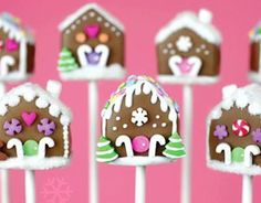 25 Days of Christmas Cake Pops – Day 17 – Gingerbread House Cake Pops!