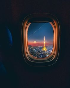 WEBSTA 👉 👈 Travel is the only thing you buy that makes you richer. ⠀ Photo by ➖➖➖➖➖➖➖➖➖➖➖➖⠀ 👮🏻 Pilot Eyes Store is OPENED!( 🆕 We have over 4000 Aviation related products! Airplane Photography, Sunset Photography, Travel Photography, Airplane Window, Airplane View, Sky Aesthetic, Travel Aesthetic, Paris Travel, Travel Usa
