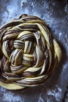 challah bread Chocolate Orange Challah Bread - Yin and Yolk Challah Bread Recipes, Banana Bread Recipes, Homemade Chocolate, Chocolate Recipes, Babka Recipe, Brioche Recipe, Brioche Bread, Baking Recipes, Snack Recipes