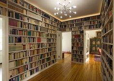 This is totally awesome! Instead of having to put tons of bookshelves around your house, your walls ARE bookshelves! Beautiful Library, Dream Library, Mini Library, Home Library Design, House Design, Toronto Houses, Home Libraries, House Goals, My New Room