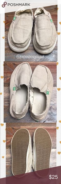 🔥SANUK🔥 EUC !! Sanuks tan canvas slip on loafer.. Please look at all the photos!! As you can see these have raw stitching.. not worn & shredded.. there is some scuffs & dirt on rubber but I'm pretty confident will come off of wiped down or run through the machine  Please bundle to save 10% ( 2 or more is a bundle)  Bundles of 1 WILL BE IGNORED!  Please use the buy now or offer tab Thanks so much for shopping @pepesposhcloset 💕 Sanuk Shoes Loafers & Slip-Ons