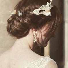 挙式、この髪型したいなぁ 長さ的に無理やけど こんな雰囲気で❤️️ #ギブソンタック #プレ花嫁