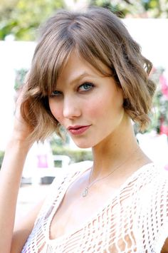 Is Short Hair Sexy? Apparently Some Victoria's Secret Fans Feel It's Not—Even on Karlie Kloss! Or Do They...?: