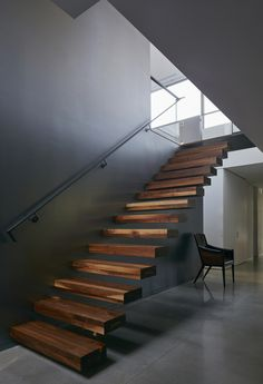 Most people dream of a big house with two or more floors. SelengkapnyaTop 10 Unique Modern Staircase Design Ideas for Your Dream House Interior Stairs, Interior Architecture, Gothic Architecture, Residential Architecture, Modern House Design, Modern Interior Design, Contemporary Design, Metal Cladding, Modern Stairs