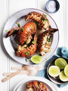 Homard au gril, citron vert et les herbes / Grilled lobster with lime and herbs Australian Christmas Food, Australian Food, Lobster Recipes, Seafood Recipes, Lobster Food, Red Lobster, Seafood Dishes, Food Network Recipes, Kitchen