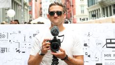 Casey Neistat to Begin Producing Video Content for CNN as they Acquire 'Beme' App . Top 10 Youtubers, Youtube Facts, Casey Neistat, Macaulay Culkin, Star Actress, Vlog, World Problems, Youtube Stars, Celebs