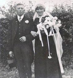 Black Wedding Gowns, Black Bride, Vintage Weddings, Wedding Couples, Victorian, Times, Concert, Black Wedding Dresses, Concerts