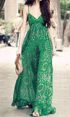 Green Floral Condole Belt Bohemian Chiffon Maxi Dress - Dresses, I know nothing about this website but adore the look of this dress Look Boho, Look Chic, Bohemian Style, Bohemian Beach, Vintage Bohemian, Hippie Style, Chiffon Maxi Dress, Floral Chiffon, Lace Maxi