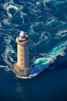 Lighthouse of Kéréon between Ouessant and Molène, Brittany, France Lighthouse Pictures, Beacon Of Light, Waves, Water Tower, Mother Nature, Scenery, Castle, Around The Worlds, Photos
