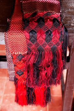Mexican silk rebozo-- the fringe on a rebozo can take up to 2 months to complete. The fringe makes each one unique. Mexican Outfit, Mexican Dresses, Mexican Clothing, Mexican Fabric, Mexican Textiles, Mexican Crafts, Mexican Art, Aztec Empire, Lace Skull