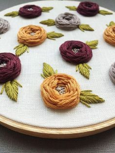 Embroidery Art - Embroidery Hoop Art - Hand Embroidery - Modern Embroidery - Embroidered Home Decor Hand Embroidery Dress, Hand Embroidery Stitches, Modern Embroidery, Embroidery Hoop Art, Embroidery Designs, Ribbon Work, Fabric Painting, Flower Making, Needlework