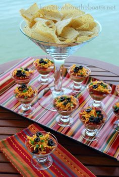 Cinco De Mayo Mini Taco Dips by Home Is Where the Boat Is Mexican Party Taco Party, Party Snacks, Appetizers For Party, Appetizer Recipes, Parties Food, Tea Parties, Mini Tacos, Layered Taco Dip, Gourmet