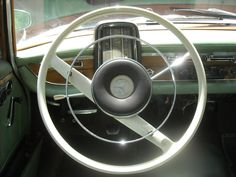 Steering wheel of 1959 Mercedes 220S  DSMc.2011