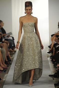 """What is Oscar de la Renta? """"It is a pretty dress,"""" he replied — Jessica Gordon Ryan"""