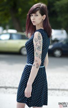 c55ecd06494d X36 šaty Tmavě modré šaty s lodičkovým výstřihem. Materiál Viskoza elastan.  Dostupné velikosti