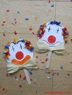 Pour Mardi Gras, je vous propose une activité manuelle sur le thème des clowns ! Nous avons en effet fabriqué des marionnettes clowns à base de papier et de papier de soie, super colorés. Le visage est peint, on aurait pu aussi collé un gros pompon rouge à la place du nez. Vous pourrez tracer le clown à main levée ou utiliser notre gabarit. Matériel nécessaire pour faire une marionnette de clown Cet article contient des liens d'affiliation. Merci pour votre soutien! Il vous faudra entre a... Paper Plate Crafts For Kids, Paper Crafts, Mardi Gras, Theme Carnaval, Grilling Gifts, Circus Theme, Diy Art, Special Gifts, Diy Design