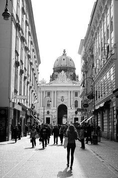Kohlmarkt Beautiful Sites, Vienna, Taj Mahal, Street View, City, Building, Travel, Viajes, Buildings