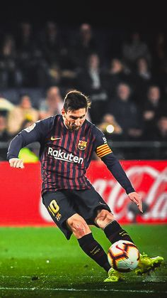 Lio in Action Antonella Roccuzzo, Messi And Ronaldo, Messi 10, Football Soccer, Football Players, Neymar Vs, Fc Barcelona Players, Lionel Messi Wallpapers, Lionel Messi Barcelona