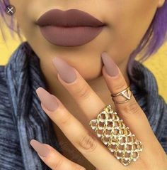 Nude nails, with a perfect shade of nude lips