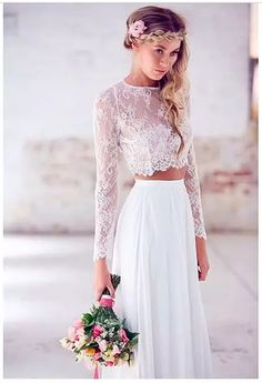 Vestido de novia en dos piezas top encaje y manga larga