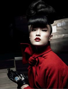 Du Juan Models Dior for Yin Chao in Numéro China April 2013 / Red is amazing! China Fashion, Red Fashion, Fashion Models, Dior Fashion, Tokyo Fashion, Fashion 2017, Winter Fashion, Geisha, Portraits