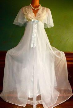 Sleepwear & Robes Confident Nwot Secret Treasures Pink Satin Nightgown Gown Peignoir Robe Set Sz M Bust 36 Modern Design