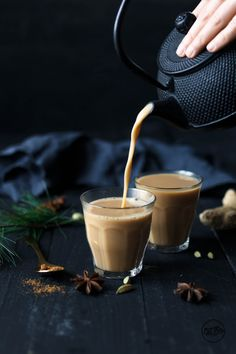Veganer Masala Chai · Eat this! Masala Chai, Photography Tea, Breakfast Photography, Te Chai, Eat This, Winter Drinks, Drinks Alcohol Recipes, Vegan Sweets, Vegan Food