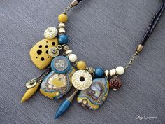 Necklace of Cernit: №700 (yellow), №055 (champagne), №662 (Green Pine), №600 (brown), №246 (blue glamor), №055 (antique gold).