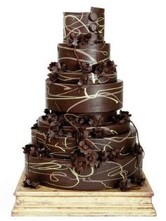Brown Swirls Wedding Cake. Could be pretty with blue and brown swirls on a white cake...hmmm
