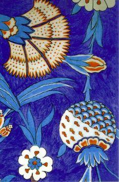 close-up iznik ceramic Turkish Tiles, Turkish Art, Turkish Design, Tile Patterns, Textures Patterns, Beatrix Potter, Pattern And Decoration, Tile Art, Islamic Art