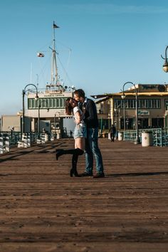 6 Shocking Couple Portraits Man Kissing His Girlfriend During Daytime What Is Anxiety Disorder, Perfect Couple Pictures, Praying For Your Family, Passionate Couples, Head In The Sand, Long Distance Love, Men Kissing, Marriage Relationship, Distance Relationships