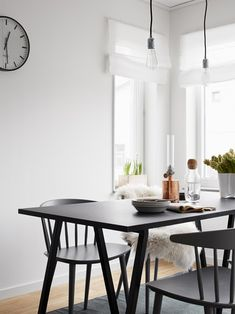 Dining room. love the black chairs//