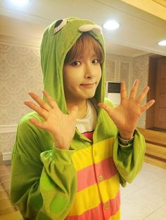 RYEOWOOK IS TOO CUTE DAMMIT