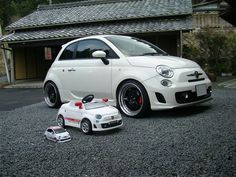 Fiat 500 Abarth with some relatives  ...