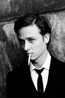 Tom Schilling [Actor in: Oh Boy (A coffee in Berlin)] Beatiful People, Toms, Coffee Icon, Paul Weller, Important People, Portrait, Pretty Boys, Actors & Actresses, Handsome