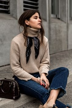 Street Style der Paris Fashion Week im Herbst 2018 - Mode 2019 Mode Outfits, Fall Outfits, Casual Outfits, Fashion Outfits, Womens Fashion, Outfits 2016, Fresh Outfits, Fashion Scarves, Casual Jeans