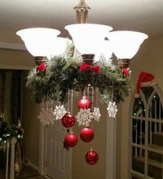 25 Glamour Christmas Chandelier Ideas for Your Home Decoration- - chandeliers. - 25 Glamour Christmas Chandelier Ideas for Your Home Decoration- – chandeliers. Christmas Chandelier Decor, Noel Christmas, Outdoor Christmas Decorations, All Things Christmas, Christmas Wreaths, Chandelier Ideas, Christmas Crafts, Elegant Christmas, Christmas Ideas