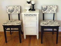 Móveis usados Decoupage Furniture, Recycled Furniture, Furniture Projects, Furniture Decor, Painted Furniture, Simple Furniture, Painted Chairs, Furniture Arrangement, Antique Furniture