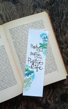 "Handmade greeny bookmark with abstract leafs in watercolor + handlettering quote ""positive mind, positive vibes, positive life"" +GLITTER Bookmarks Quotes, Paper Bookmarks, Watercolor Bookmarks, Watercolor Cards, Corner Bookmarks, Positive Mind, Positive Vibes, Creative Bookmarks, Handmade Bookmarks"