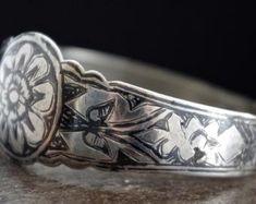 Bijoux Ethnique par GlobalAdornments sur Etsy Bracelets, Silver, Etsy, Jewelry, Ethnic Jewelry, Objects, Jewlery, Money, Bijoux