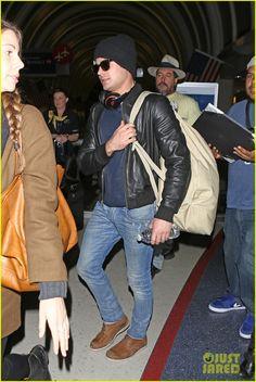Zac Efron & Ashton Kutcher Fly Out of Austin After SXSW