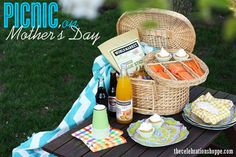 Host a Mother's Day picnic ~ no mess, no fuss, but in vivid color with @WorldMarket | thecelebrationshoppe.com